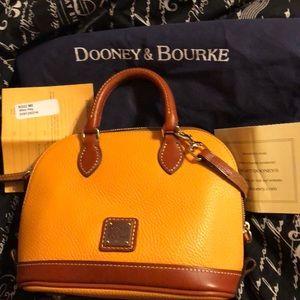 Dooney bitsy bag